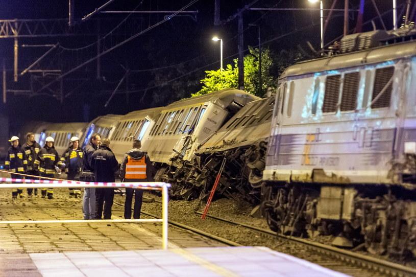 Miejsce zderzenia pociągu osobowego TLK Pogoria relacji Gdynia Główna - Bielsko Biała z pociągiem towarowym, do którego doszło w miejscowości Smętowo Graniczne /Tytus Żmijewski /PAP