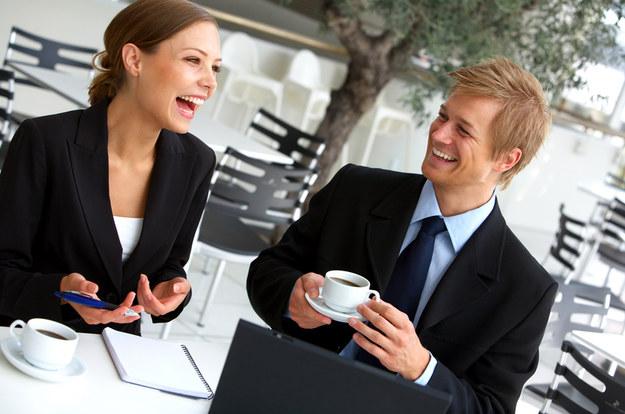 Miesięczne wynagrodzenie brutto na stanowisku asystentki zarządu to minimum 6500 zł /© Panthermedia