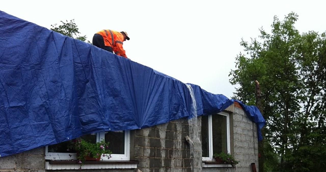 Mieszkańcy 800 domów bez dachu nad głową