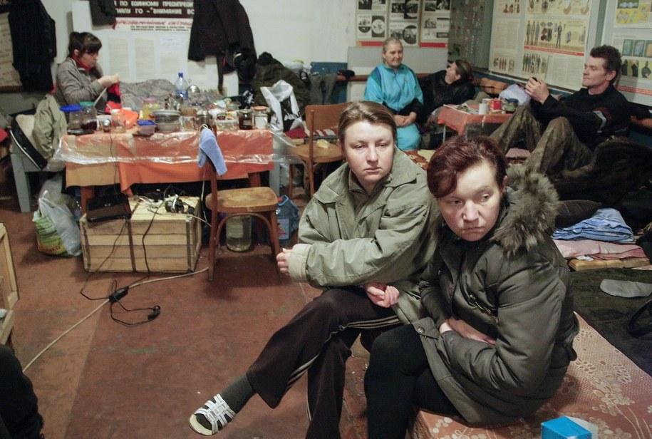 Mieszkańcy atakowanego Doniecka /ALEXANDER ERMOCHENKO /PAP/EPA