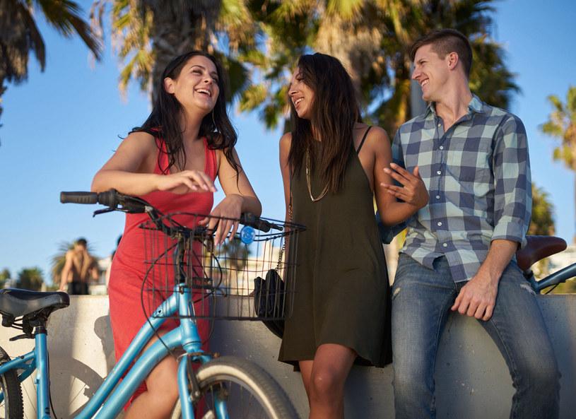 Mieszkańcy Doliny Krzemowej uwielbiają spędzać czas z przyjaciółmi /Picsel /123RF/PICSEL