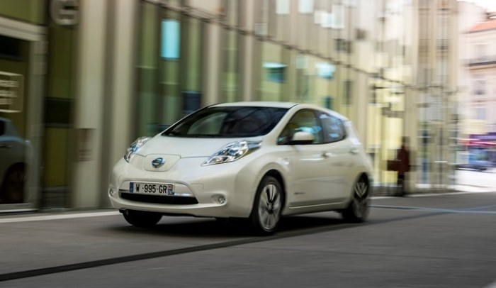 Mieszkańcy dostaną do użytku Nissany LEAF oraz dostawcze e‑NV200 /INTERIA.PL/informacje prasowe