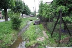 Mieszkańcy Głowna uciekali z domów, gdy woda przelewała się przez drzwi