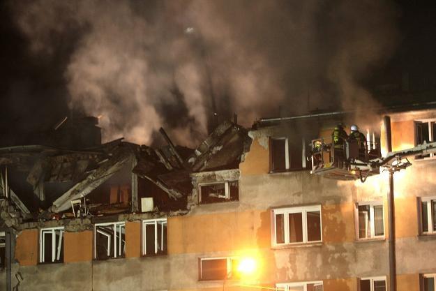 Mieszkańcy jednego z bloków Pruszkowie zostali ewakuowani / fot. Leszek Szymański /PAP
