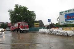 Mieszkańcy Krakowskiego osiedla Złocień walczą z wodą