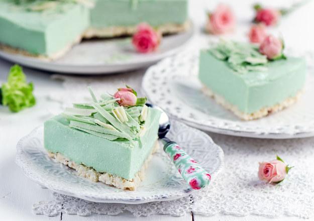 Miętowy tort na waflach /123/RF PICSEL