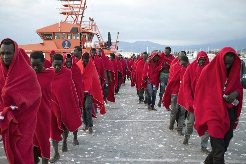 Migranci próbują przedostać się do Europy mimo złych warunków pogodowych /MIGUEL PAQUET /PAP/EPA