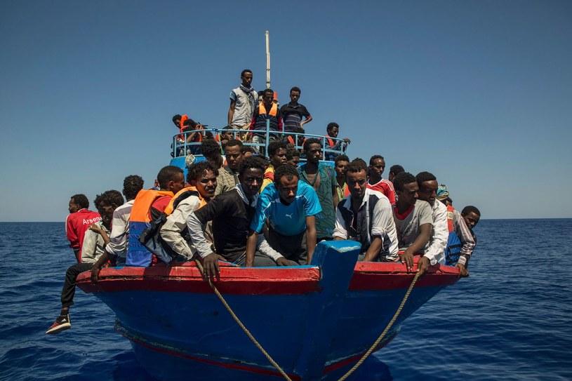 Migranci przybywający z Afryki do Europy, zdj. ilustracyjne /Angelos Tzortzinis /AFP