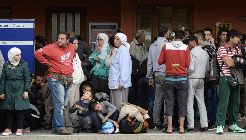 Migranci w Berlinie /CHRISTOF STACHE / AFP /AFP