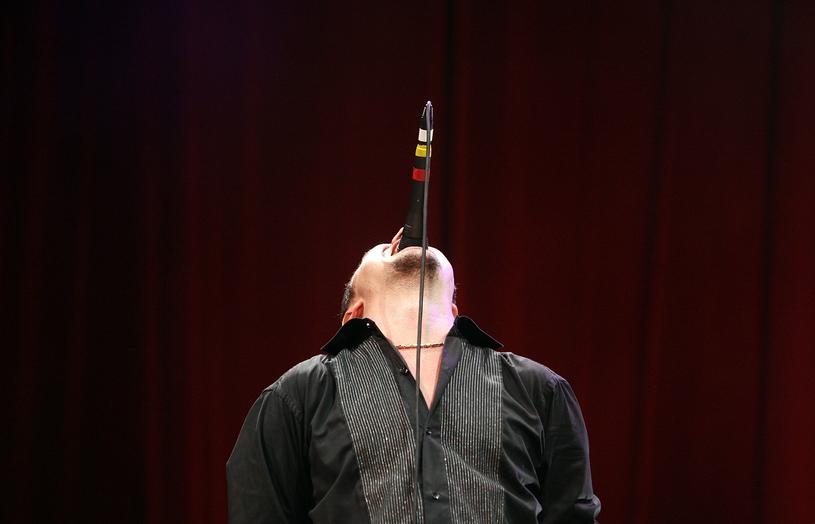 Mike Patton w typowej dla niego pozie /Mark Metcalfe /Getty Images