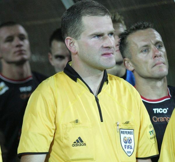 Mikołajewski (pierwszy plan) jest przekonany o winie Gołaszewskiego (z prawej)/ fot. Łukasz Grochala /Agencja Przegląd Sportowy