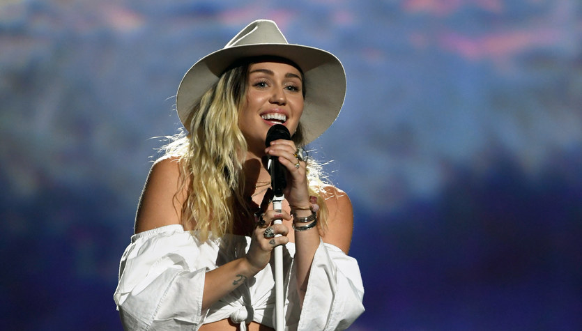Miley Cyrus: Kariera zawarta w pięciu duetach