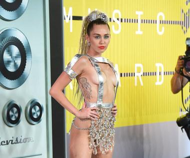 Miley Cyrus płacze po zwycięstwie Trumpa. Snoop Dogg chce uciec do Kanady