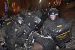 Milicja rozbiła powyborczą manifestację w Mińsku