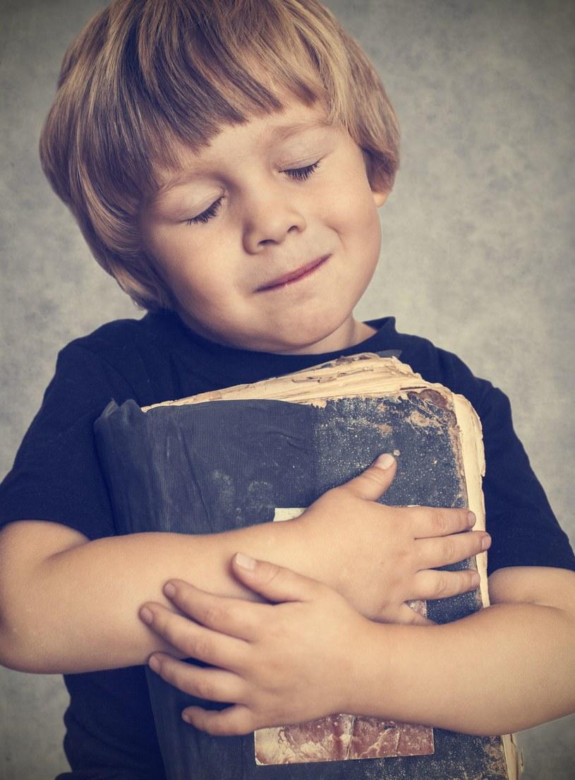 Miłość do literatury pięknej można rozbudzić już w młodym wieku /©123RF/PICSEL