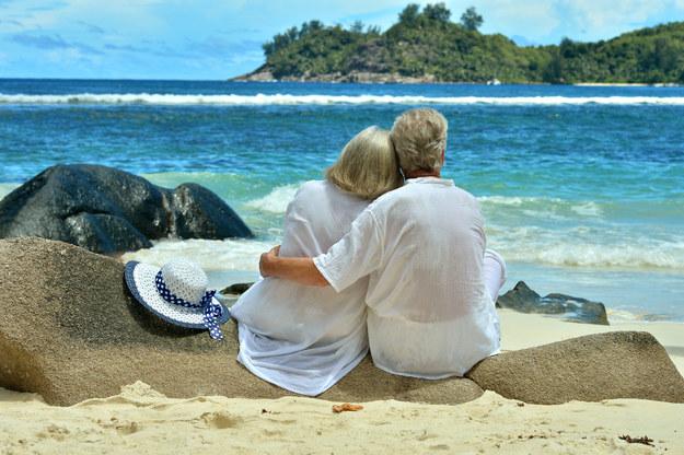 Miłością fizyczną mogą się cieszyć pary w każdym wieku. /123/RF PICSEL