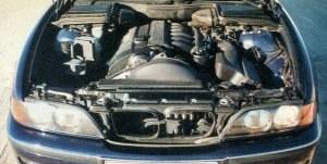 Mimo wysokiego stopnia nowoczesności utrzymano wiele klasycznych rozwiązań. Bez wątpienia należy do nich silnik w konfiguracji R6. /Motor