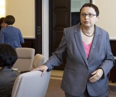 Minister Hall chce skrócić uczniom wakacje