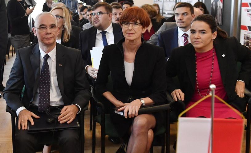 Minister Pracy i Polityki Społecznej Elżbieta Rafalska i węgierski Minister Zasobów Ludzkich Zoltan Balog /PAP/EPA