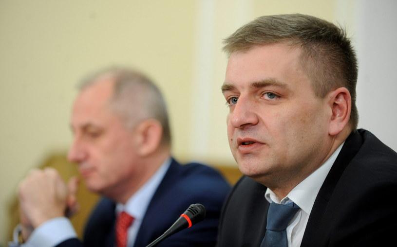 Minister zdrowia Bartosz Arłukowicz, podczas dzisiejszego posiedzenia sejmowej Komisji Zdrowia /Bartłomiej Zborowski /PAP