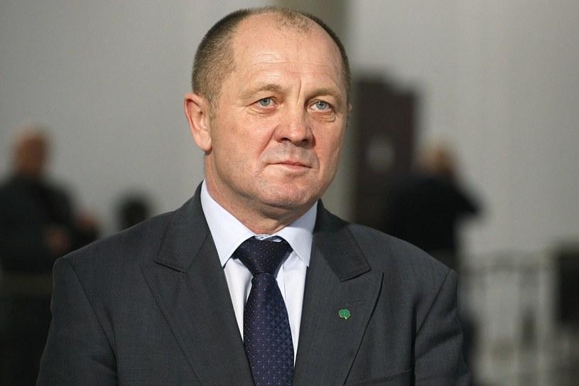 Minster Marek Sawicki nie lubi oszczędzać, oj nie... /Adam Guz /Reporter