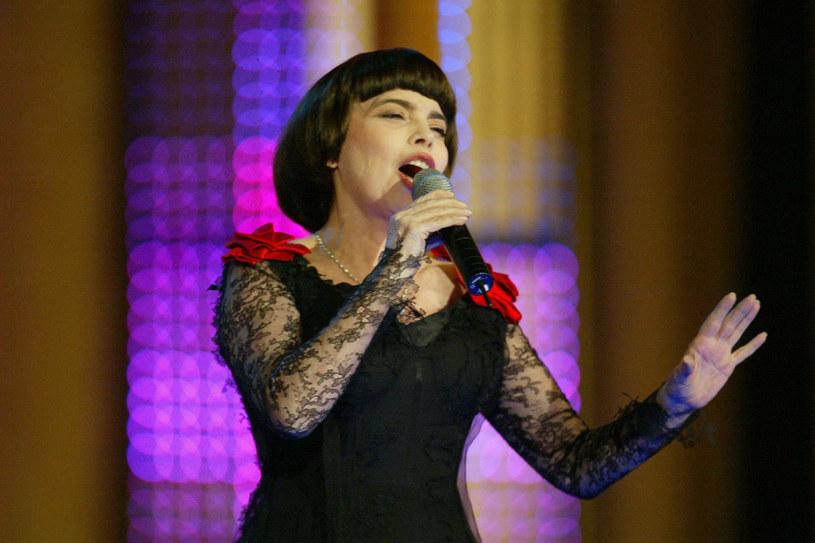 Mireille Mathieu nagrała ponad 1200 piosenek; wciąż wydaje nowe płyty, jest częstym gościem programów radiowych i telewizyjnych /East News