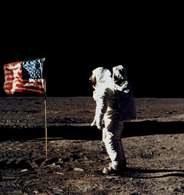 Misja Apollo, pierwsze kroki na Księżycu /Encyklopedia Internautica