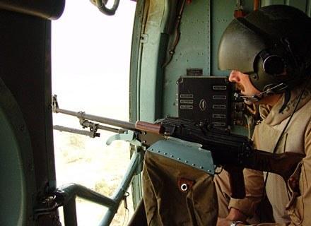 Misja w Iraku to już historia. Nz Mi-8 podczas jednego z ostatnich lotów patrolowych/fot. M Ogdowski /