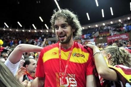 Mistrz NBA i Europy wraca do gry /AFP