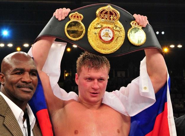 Mistrz świata federacji WBA - Aleksander Powietkin /AFP
