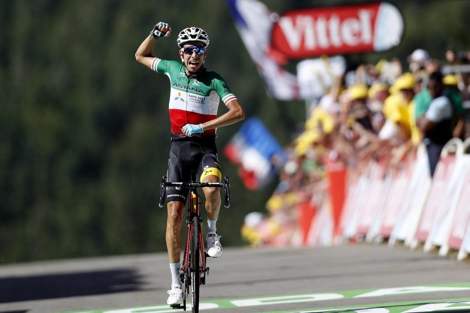 Mistrz Włoch Fabio Aru z ekipy Astana wygrał w La Planche des Belles Filles w Wogezach piąty etap kolarskiego Tour de France /GUILLAUME HORCAJUELO  /PAP/EPA