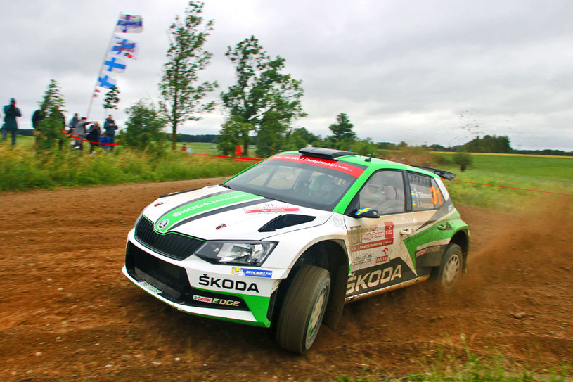 Mistrzowie Świata w kategorii WRC2 oraz mistrzowskie auto - Pontus Tidemand oraz Jonas Anderrson, a także Skoda Fabia R5 /Marek Wicher    /INTERIA.PL