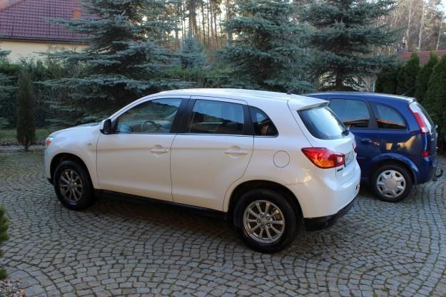 Mitsubishi ASX i Opel Meriva /INTERIA.PL