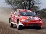 Mitsubishi Lancer z Makinenem za kierownicą mknie po zwycięstwo