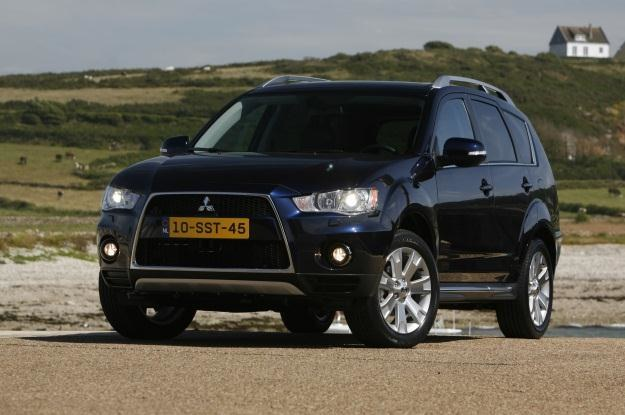 Mitsubishi outlander /