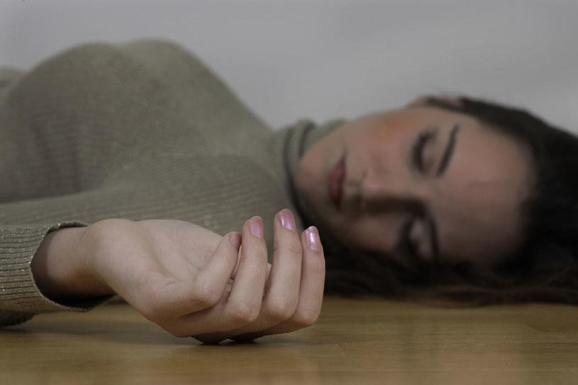 Młoda kobieta zostaje zamordowana we własnym mieszkaniu tuż po internetowej randce /123RF/PICSEL