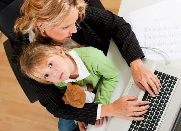 Młoda mama ma możliwość otrzymania becikowego /© Panthermedia
