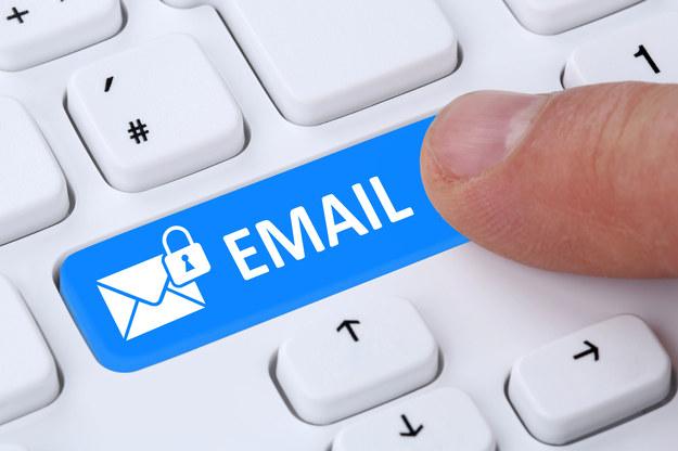 Młody Włoch w poszukiwaniu wymarzonej pracy wysłał 14 tysięcy e-maili /123RF/PICSEL