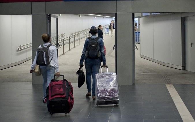 Młodzi wyjeżdżają z kraju /Michal Kość/Agencja Wschód /Reporter