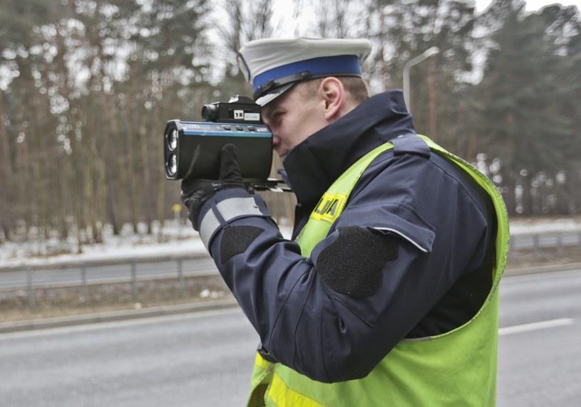 Mniejsza dozwolona prędkość to dobry pomysł? /Piotr Jędzura /Reporter