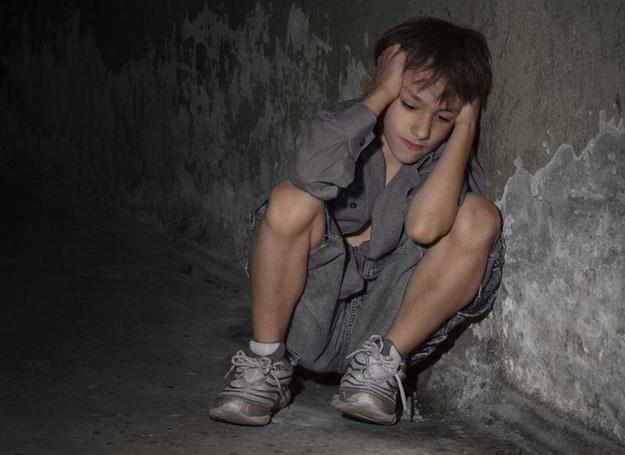 Moczenie nocne częściej występuje u chłopców /©123RF/PICSEL