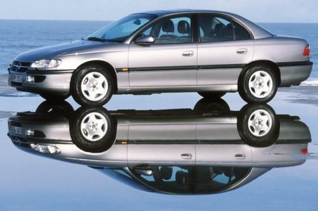Model B występował od 1999 roku, później pojawiła się zmodernizowana omega B FL /
