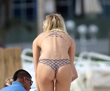 Modelki Victoria's Secret pozują na plaży