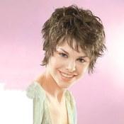 Modne fryzury, które modelują twarz