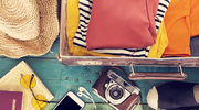 Modnie i wygodnie: Co warto zabrać ze sobą w dłuższą podróż?