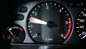 Moment czy moc silnika - co bardziej wpływa na osiągi?
