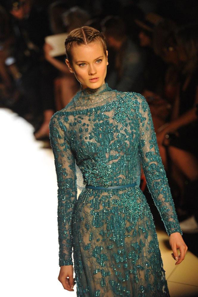 Monika Jagaciak na pokazie Haute Couture w Paryżu /East News