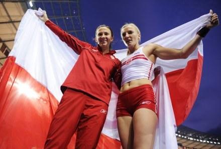 Monika Pyrek i Anna Rogowska /AFP