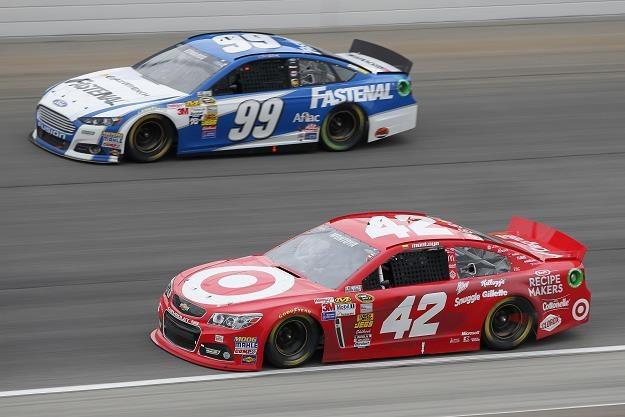 Montoya ścigał się ostatnio m.in. w NASCAR (auto nr 42) /AFP