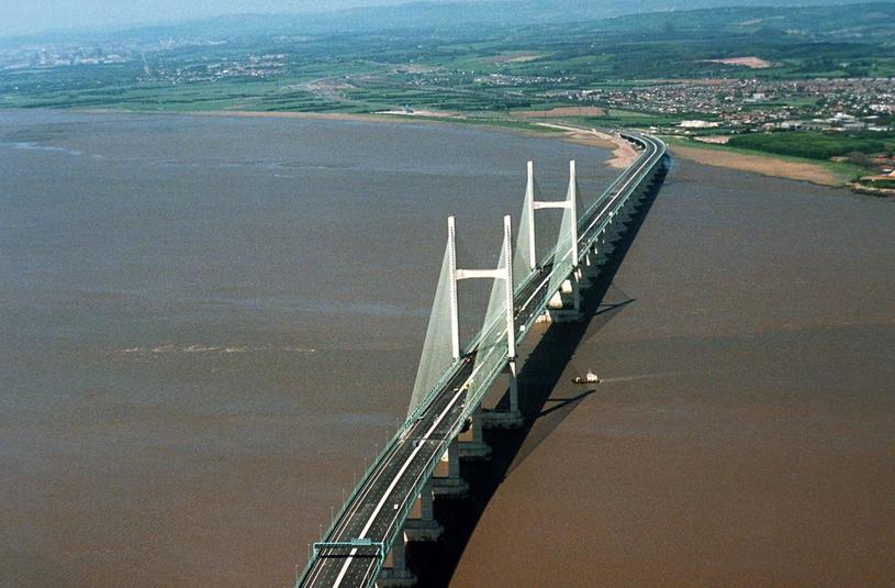 Most na rzecze Severn łączący Anglię z Walią /Haydn Jones/REX FEATURES /East News